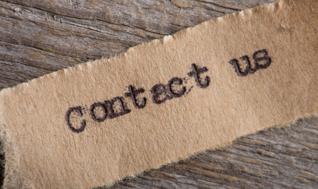 Datenschutz Contact us in der Buch Akademie